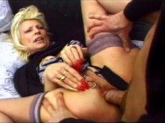 Photo Film porno de *Un terrain vague, une mature, c'est la sodomie assurée* sur CduPorno.fr