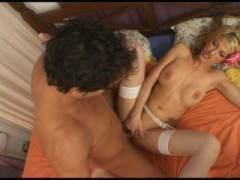 Photo Film porno de *L'éclate avec une blonde gourmande* sur CduPorno.fr