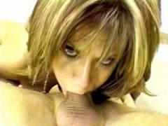 Photo Film porno de *Elle mange de la queue par tous les trous* sur CduPorno.fr