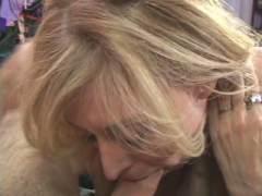 Photo Film porno de *Mature cherche quéquette pour orgasme* sur CduPorno.fr